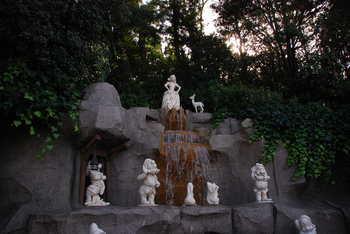 祈りの泉.JPG